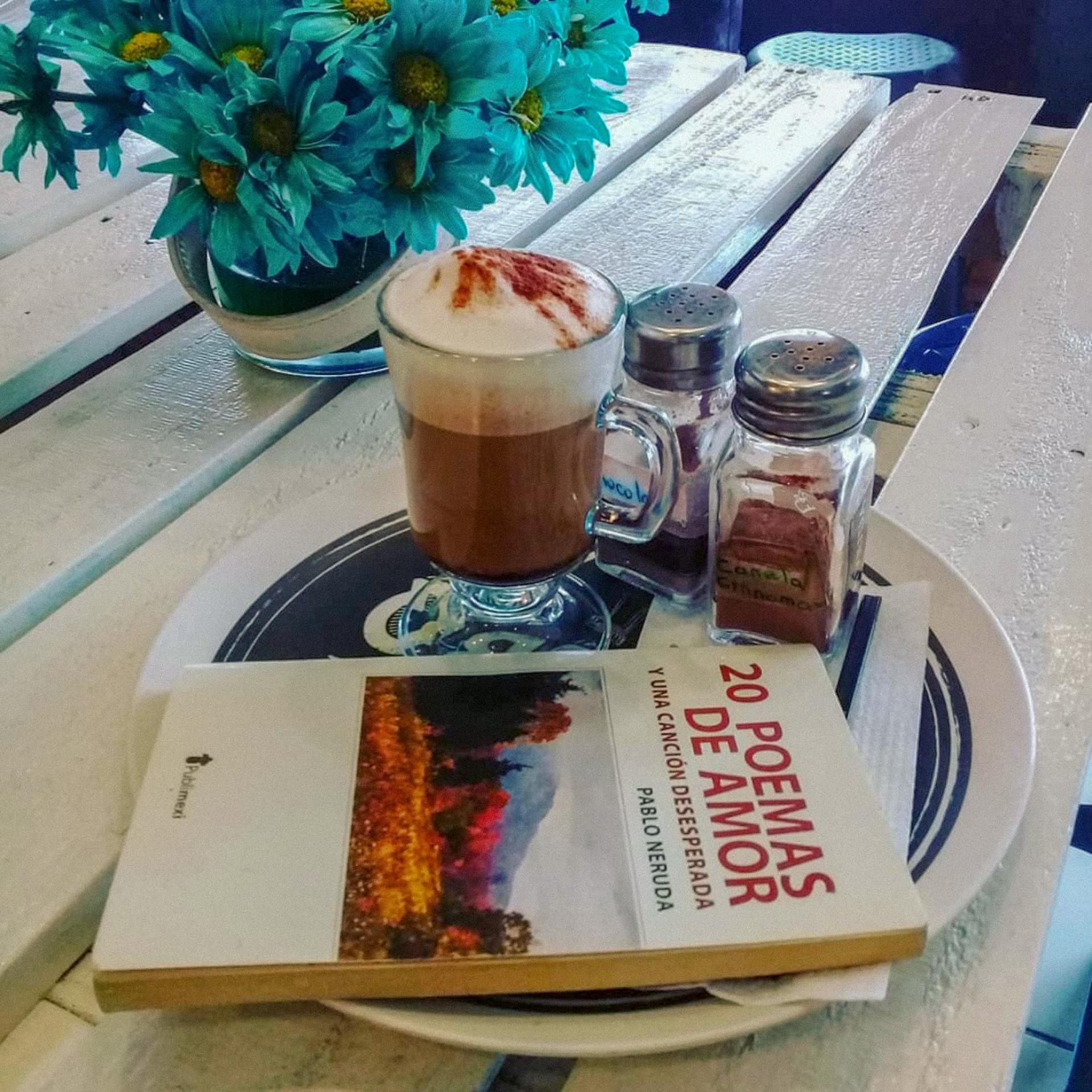 Cafe y Neruda en Boquete