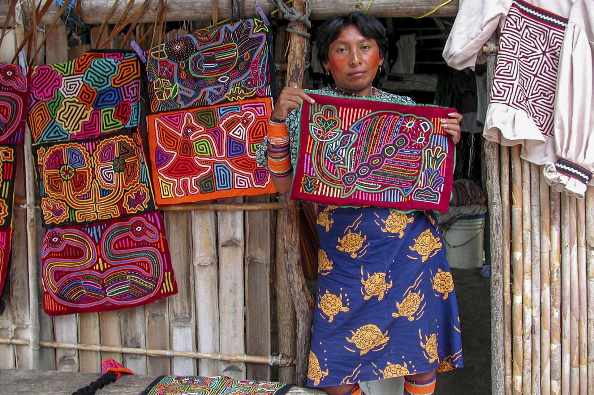 A Kuna woman selling molas
