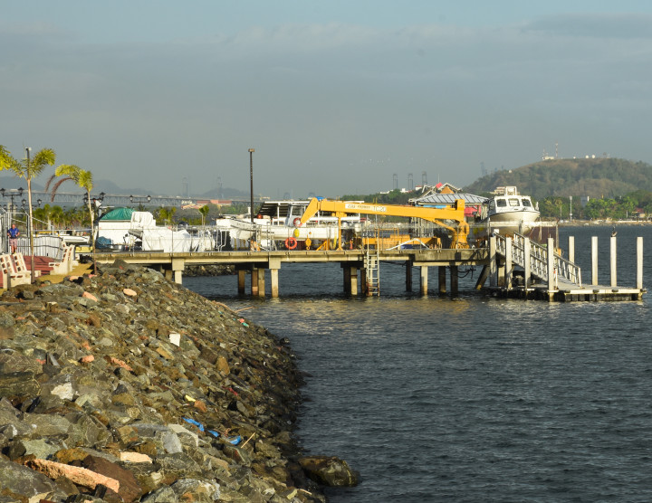Dock and Research vessels