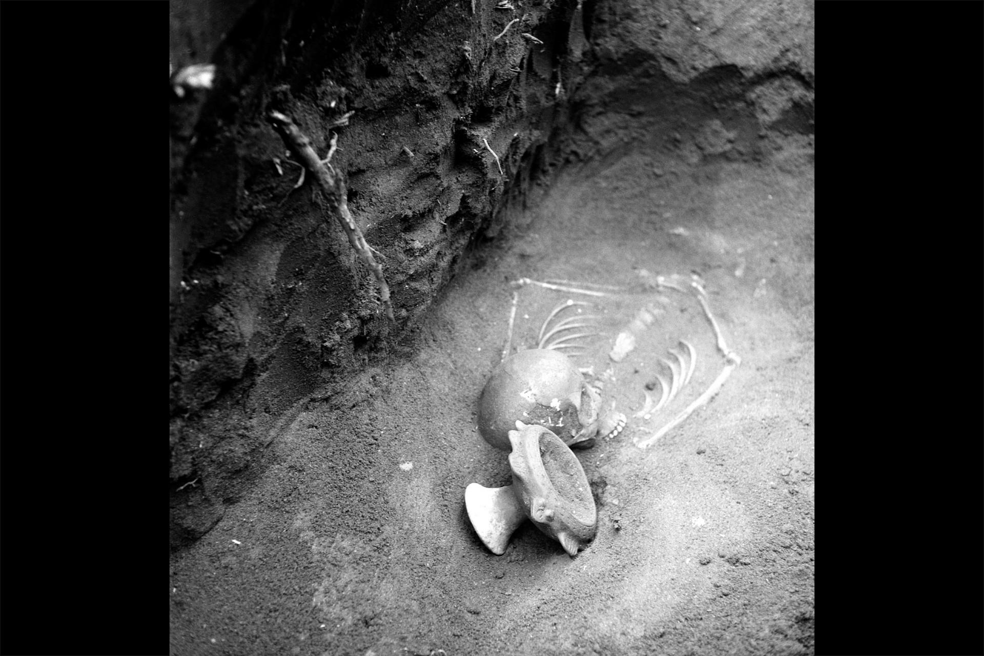 Pre-Columbian burials